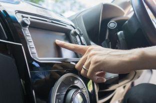 Veçoritë më bezdisëse tek automobilat modernë
