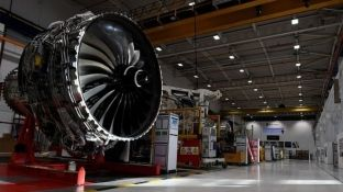 Rolls-Royce raporton humbje rekorde mbi 4.6 miliardë funte