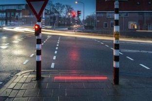 Teknologjia e re e semaforëve për të ndihmuar përdoruesit e smartfonëve të kalojnë rrugën