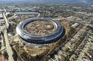 """Zbulohen pamje mahnitëse të kompleksit të Apple si """"anije kozmike"""" [video]"""