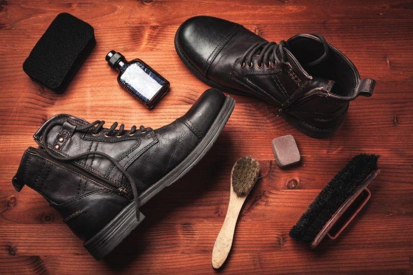 Si t'i mbrojmë çizmet dhe këpucët gjatë dimrit