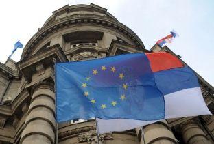 Trump ndryshon politikën ndaj Ballkanit, s'e inkurajon Serbinë të anëtarësohet në BE