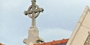Kisha Katolike paguan për abuzimet seksuale të priftërinjve