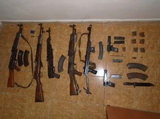 Në Pejë konfiskohet arsenal armësh