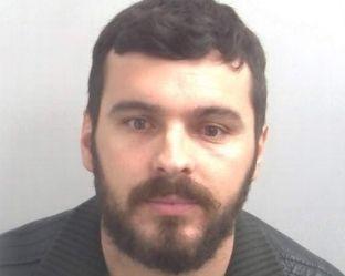 I dënuar me 8 vjet për sulm seksual, Hajdarmetaj kapet në Kosovë dhe ekstradohet në Britani