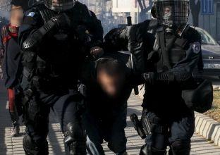 Arrestohen pesë persona për vjedhjen e dy tepihëve në Pejë