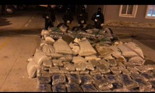 Tunele në shtëpi për të fshehur 1.2 ton kanabis, arrestohet