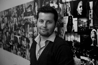 Artisti është i dënuar të rrëfehet