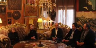 Zyrtarë të Vetëvendosjes vizituan dhe ngushëlluan familjen Agolli