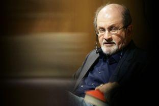 Salman Rushdie sjell romanin për ShBA-në midis Obamas dhe Trumpit