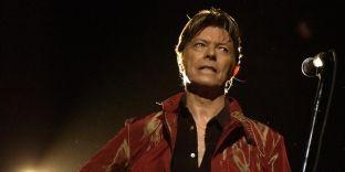 David Bowie nderohet para ceremonisë Grammy