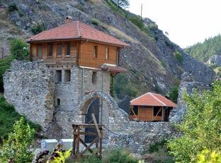 Kisha Ortodokse s'i plotëson kushtet për ndërhyrje në monumentin e Prizrenit