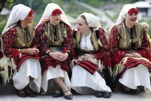 Fustanet tradicionale të nusërisë nga e gjithë bota [foto]