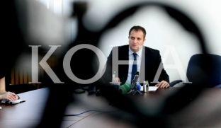 """Kryetari i Prishtinës reagon ndaj shkarkimit të drejtorit të """"Trafikut Urban"""" në Prishtinë"""