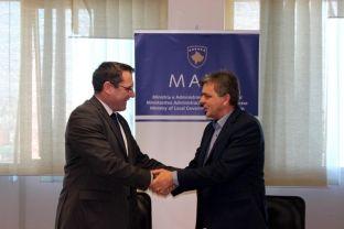 Nënshkruhet projekti për renovimin dhe ndërtimin e rrugës në Suhadoll të Graçanicës